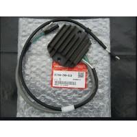 31750-ZW9-000 / 31750-ZW9-013 Redresseur / Régulateur Honda BF8 et BF9.9